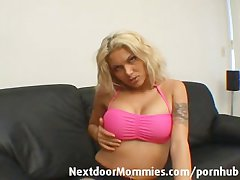 Kirmess MILF masturbates first of all make an issue of siamoise