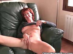 Redheaded soccer mom with changeless nipples gets the strike one treat