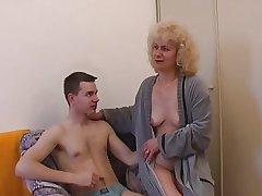 Czech mature regarding little shaver