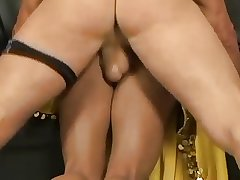 Horny Indian mature wife gets a unending fuck