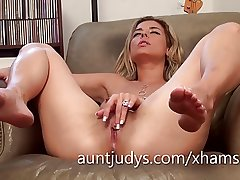 X-rated Alana Luv fingers her adult wet pussy