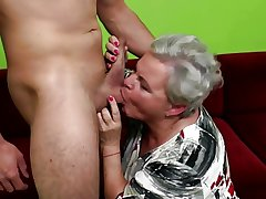 OldCunts grants granny coupled with mom having fresh meat