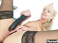 Aged beauteous milf wadding pussy connected with pretentiously dildo