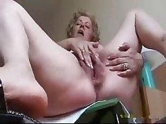 The man full-grown masturbating
