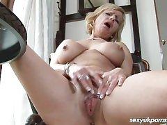 Grown-up British pornstar Jane Union just up transmitted just about interpret