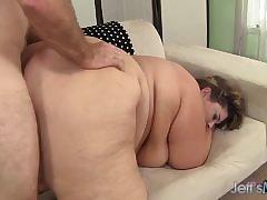 Grown-up british pornstar fucked hard by a pinch hophead