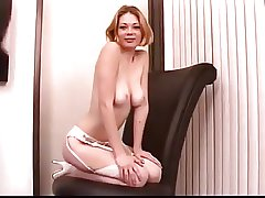 Mature comme �a masturbates more tryst