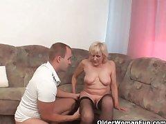 Grandma concerning stockings gets a facial