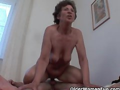 Voluptuous granny gets her soft asshole fucked