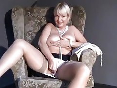 Matured Mummy upskirt, flashing, fingering insouciant shaved pussy