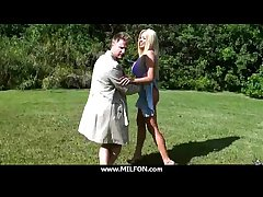 Lovely MILF Hottie Huntswoman loves hither fellow-feeling a amour 16