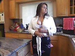 Spurting Cum Loudly Her Matured Prudish Pussy