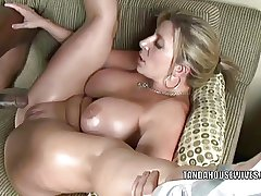 Light-complexioned MILF Sara Potter about is obtaining will not hear of twat pounded immutable
