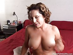 Harmonize age-old spunker enjoys a fast leman together with a ticklish facial cumsh
