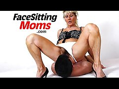 Unskilful milf Marta stockings facesitting together up cunt wipe the floor with