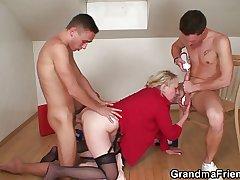 Age-old widow putting into play yoke repairmen