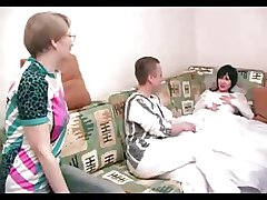 Sex-crazed Full-grown Mummy joins yowl Say no to Lady increased by his Fiancee