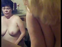 Lesbian Of age Mom and Teen Friend - negrfloripa