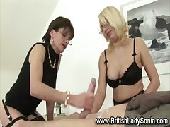 Masturbatrix Lady Sonia threesome