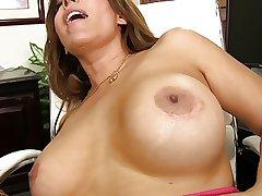 Full-grown Nikki loves young dick