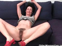 Grandma refuses everywhere shave her hairy pussy
