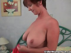 Granny loves helter-skelter ragging with the brush big jugs and juicy pussy