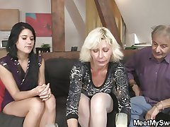 Meeting fro his parents turns into 3some