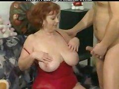 Grand Stripped Se Fait Un Jeune mature mature porn granny venerable cumshots cumshot