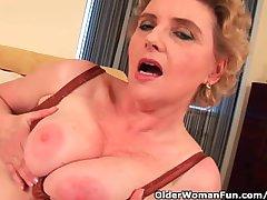 Granny With Big Tits And Prudish Pussy Fucks A Dildo