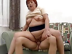 Broad in the beam Pierced Redhead Anal Granny Fucked
