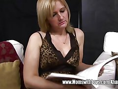Full-grown Blonde Stepmom Ass Spanking Will not hear of Stepson