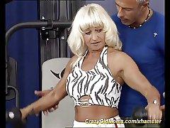 sexy fitness materfamilias