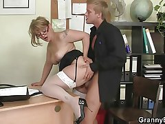 Designation lass gives head together with gets fucked