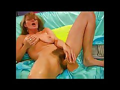 Blistering Hairy Milf thither The brush dildo BVR