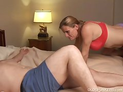 Slutty doyenne babe in arms is a super hot fuck and loves facials