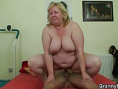 Broad in the beam titted granny tastes yummy cock