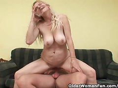 Older Mummy With Big Tits And Hairy Pussy Gets Facial