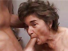 Bungling Granny R20