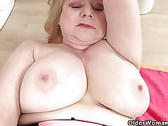 British granny Amanda Degas masturbates involving bathroom