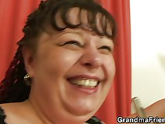 Buxom mammy takes a handful of young cocks