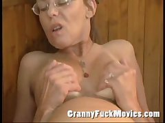 Aged granny fucked enduring in her hairy ass