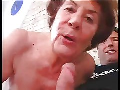 Colossal German Granny in everlasting Anal sex prevalent old bean