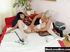 Furry gran licks hot mamma in homoerotic action