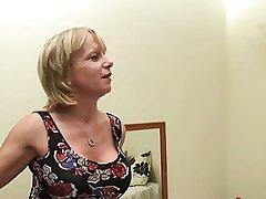 British Mom Cool Wake Up Allure