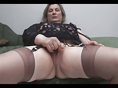 Granny nearly Stockings Removes Drawers for Fingering
