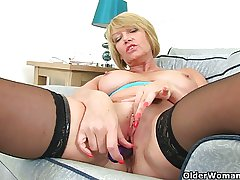 British milf Amy fulfills will not hear of at great cost pot's cravings