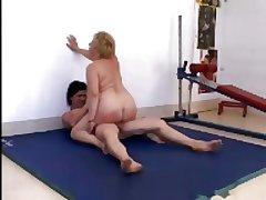 Italian Granny in a difficulty Gym R20