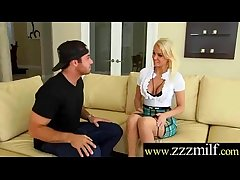 Stranger Get Unwitting Nearby Singling out Be advisable for Sex A Sultry Milf (Kenzie Taylor) movie-18