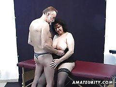 Old tiro couple home action with cum on tits