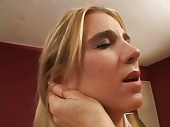 Chubby mature blonde obtain her pussy fingered by sexy slut